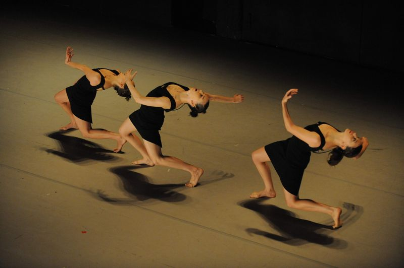 Project 5 By Ohad Naharin. Photo by Gadi Dagon (7)