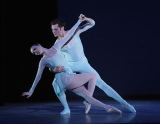 Elisabeth_Holowchuk_and_Kirk_Henning_in_Haieff_Divertimento_Photo_by_Carol_Pratt_2008