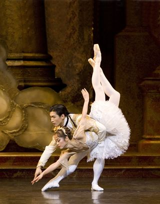Nao Sakuma as Princess Aurora and Chi Cao as Prince Florimund in The Sleeping Beauty - Bill Cooper