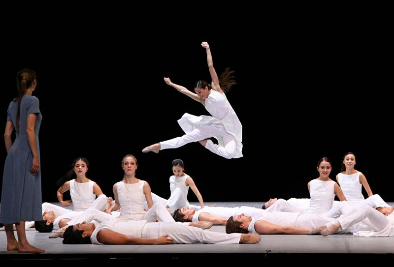 "Anna Laudere (the mother) and ensemble, ""Christmas Oratorio I-VI"", Hamburg Ballet – John Neumeier, 2013"