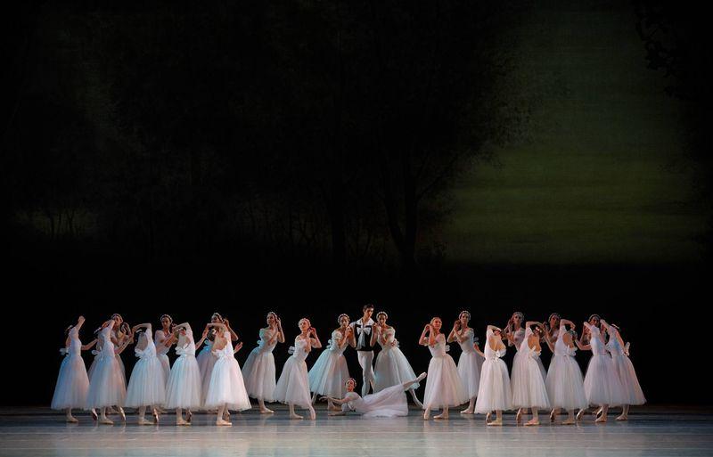 """1. Maria Shirinkina, Anna Lavrinenko, Oxana Skorik, Xander Parish and ensemble, """"Chopiniana"""" (""""Les Sylphides""""), Mikhail Fokine, Maryinsky Ballet, © Valentin Baranovsky 2013"""