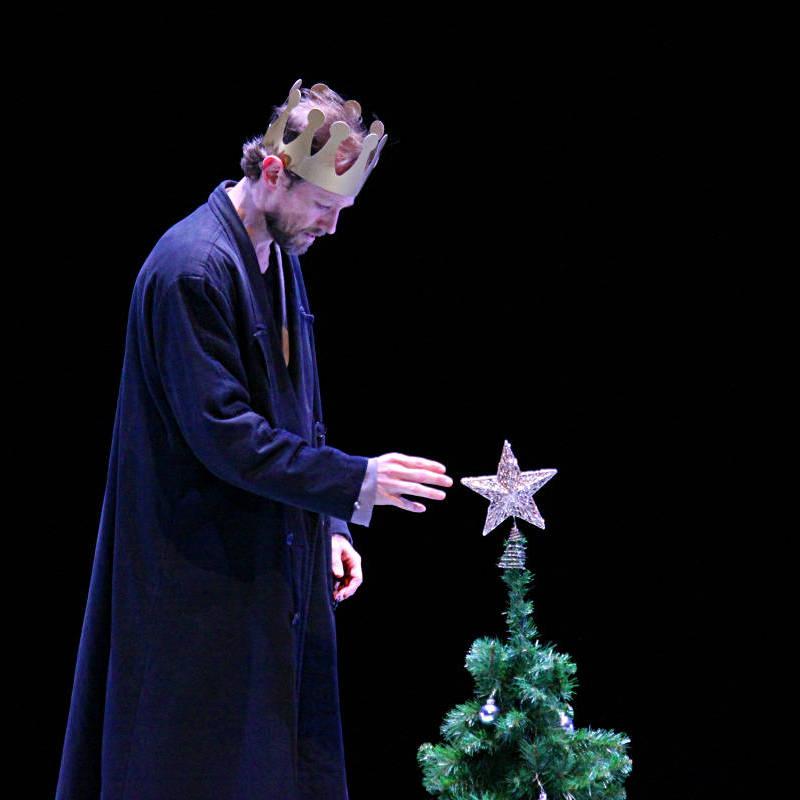 "Lloyd Riggins (a man), ""Christmas Oratorio I-VI"", Hamburg Ballet – John Neumeier, 2013"
