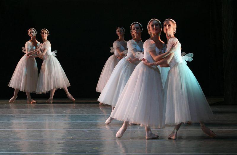 "2. ensemble, ""Chopiniana"" (""Les Sylphides""), Mikhail Fokine, Maryinsky Ballet, © Natasha Razina 2013"
