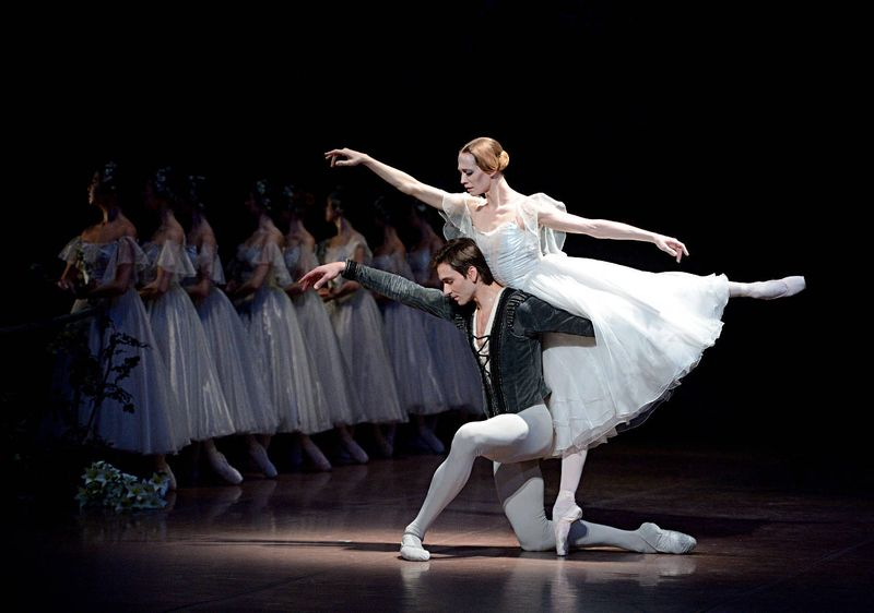 "4. Friedemann Vogel (Duke Albrecht), Alicia Amatriain (Giselle) and ensemble, ""Giselle"" after Jean Coralli, Jules Perrot and Marius Petipa, Stuttgart Ballet"