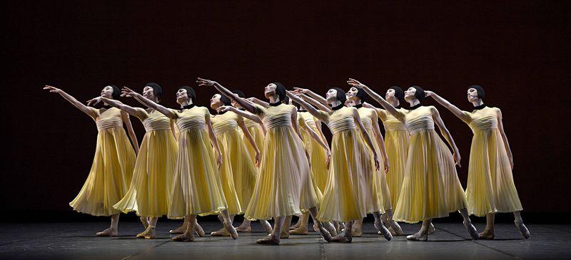 """4. Ensemble, """"Namouna"""" by Alexei Ratmansky, State Ballet Berlin 2014"""