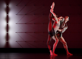 Wayne McGregor_Random Dance_FAR_ Photo by Ravi Deepres (2)