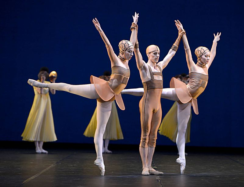 "6. Stephanie Greenwald, Ulian Topor, Iana Balova and ensemble, ""Namouna"" by Alexei Ratmansky, State Ballet Berlin 2014"