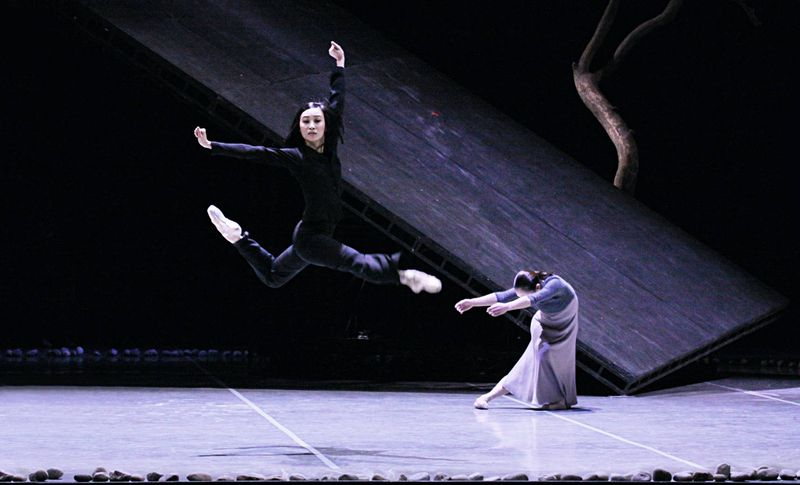 "5. Yun-Su Park and Carolina Agüero, ""Messiah"" by John Neumeier, Hamburg Ballet 2014"
