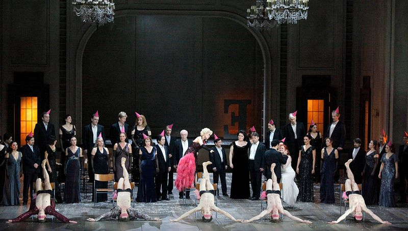 "3. Yun-Jeong Lee (L'Amour), Luciano Botelho (Orpheus), Catriona Smith (Euridice) and ensemble in 2011, ""Orphée et Euridice"" by Christian Spuck, Stuttgart State Opera and Stuttgart Ballet"