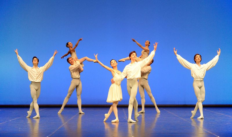 "1. Students of the 4th and 6th class, ""Italiana"" by Nicola Biasutti, Ballet Matinee of the John Cranko School, Stuttgart 2014"