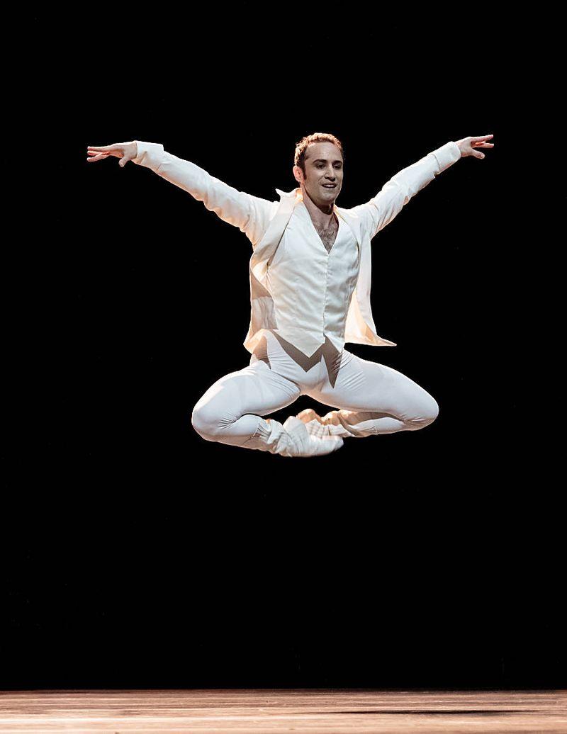"""1. Fabien Voranger, """"Tanzsuite"""" by Alexei Ratmansky, Semperopera Ballet 2014"""