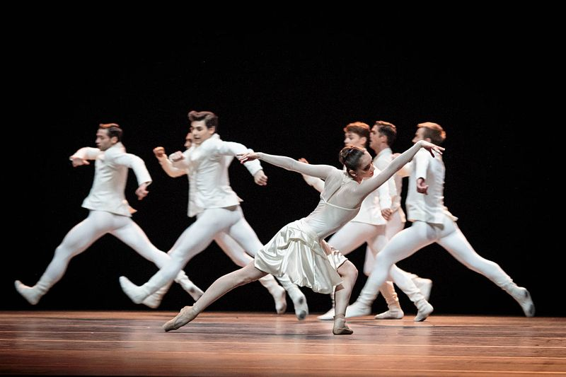 "2. Julia Weiss and ensemble, ""Tanzsuite"" by Alexei Ratmansky, Semperopera Ballet 2014"