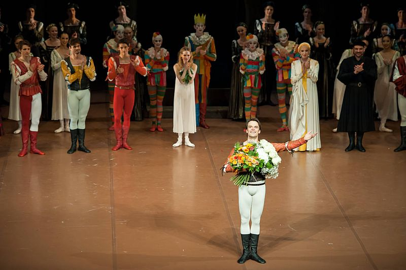 "4. Filip Barankiewicz (Romeo), first row: David Moore (Benvolio), Nikolay Godunov (Tybalt), Daniel Camargo (Mercutio), Alicia Amatriain (Juliet), Melinda Witham (Lady Capulet) and Rolando D'Alesio (Lord Capulet), ""Romeo and Juliet"" by John Cranko, Stuttgart Ballet 2014, © Roman Novitzky"