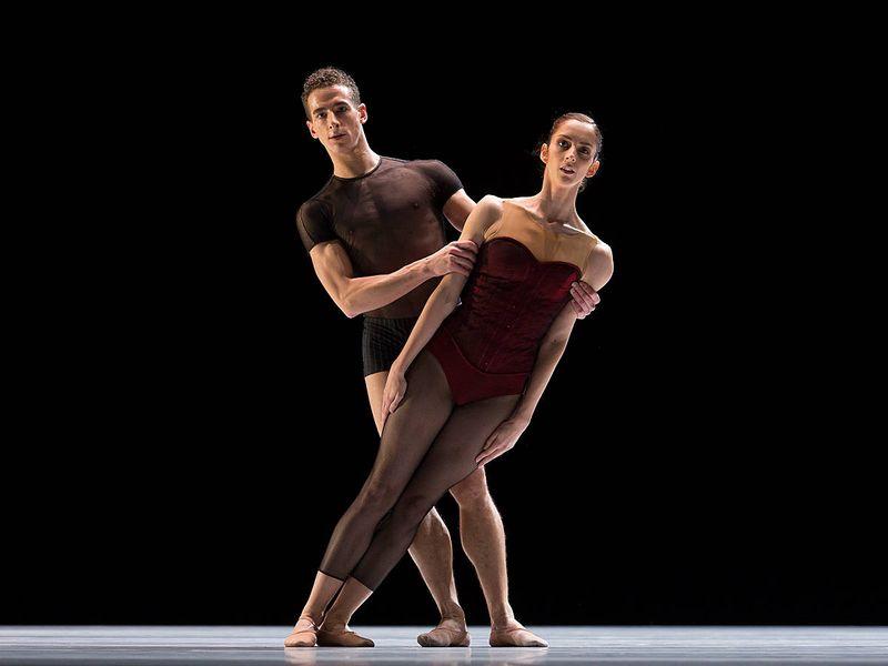 "2. Claudio Cangialosi and Julia Weiss, ""Bella Figura"" by Jiří Kylián, Semperopera Ballet 2014"