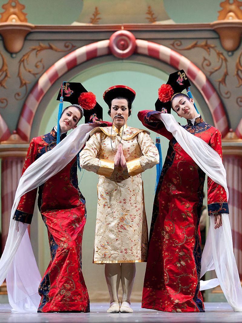 "7. Hannah McDonald, Jón Vallejo, Anisa Sinteral-Scott (Chinese Divertissement), ""The Nutcracker"" by Aaron S. Watkin and Jason Beechey, Semperopera Ballet 2014"