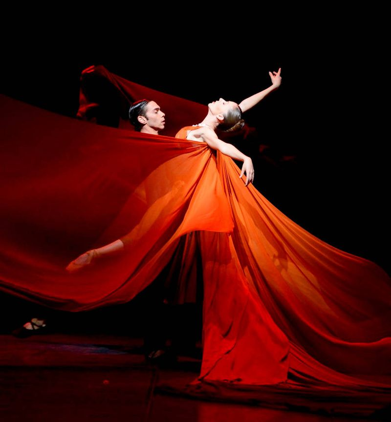 "7. Jason Reilly and Rachele Buriassi, ""The Firebird"" by Sidi Larbi Cherkaoui, Stuttgart Ballet 2015"