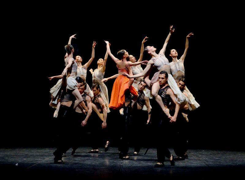 """9. Ensemble, """"The Firebird"""" by Sidi Larbi Cherkaoui, Stuttgart Ballet 2015"""
