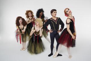 Les Ballets Trockadero de Monte Carlo_Esmeralda_Photo by Zoran JelenicTrocks