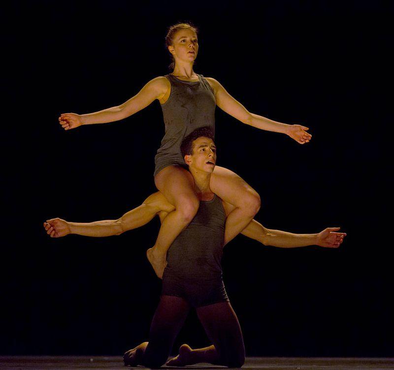 "4. Caroline Beach and Claudio Cangialosi, ""Bella Figura"" by Jiří Kylián, Semperopera Ballet 2014"