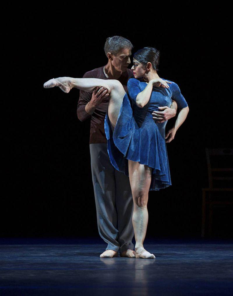 """10. Martin Schläpfer and Marlúcia do Amaral, """"Alltag"""" by Hans van Manen, Ballett am Rhein 2014"""