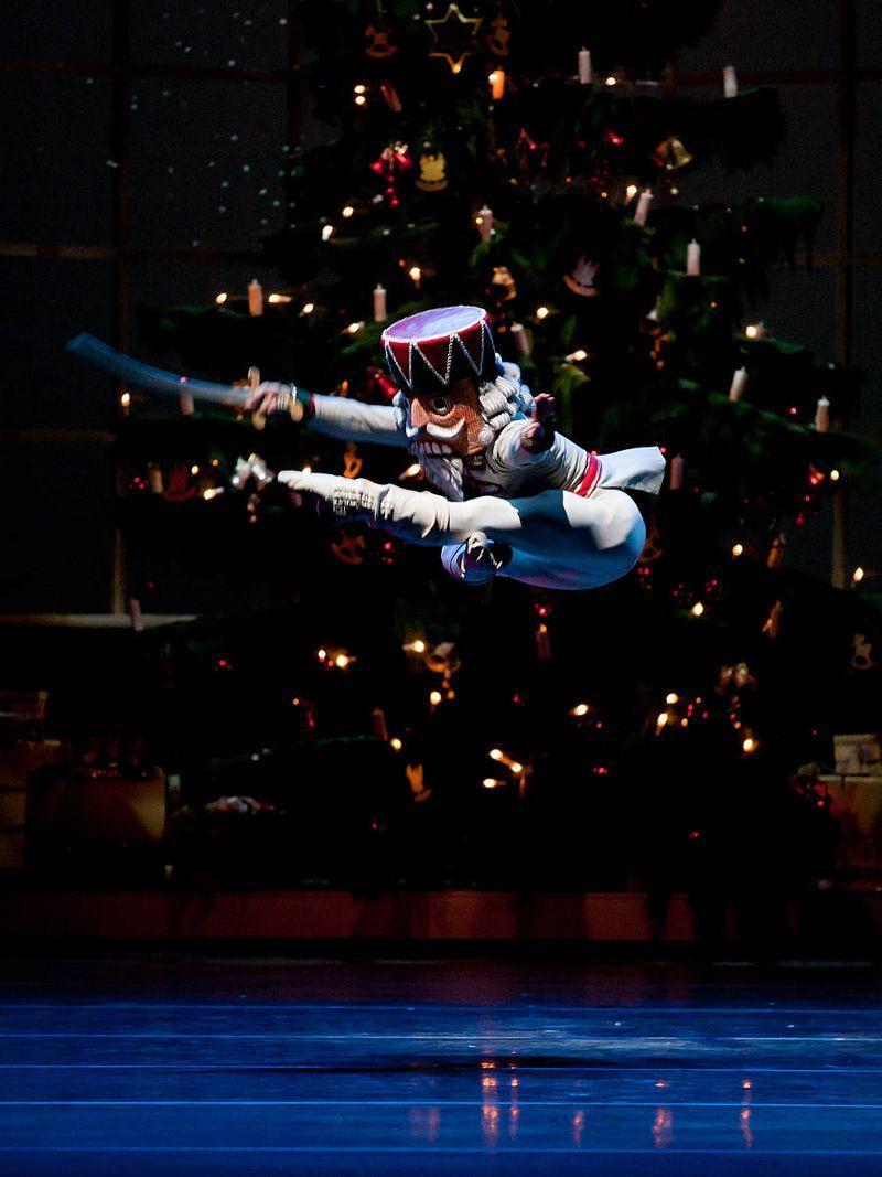 "1. István Simon (Nutcracker), ""The Nutcracker"" by Aaron S. Watkin and Jason Beechey, Semperopera Ballet 2014"