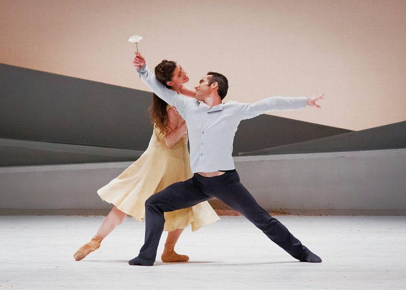 "1. Courtney Richardson (Giselle) and Fabien Voranger (Albrecht), ""Giselle"" by David Dawson, Semperoper Ballet Dresden 2015"