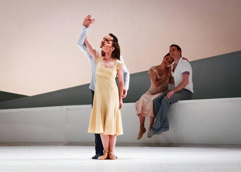 "2. Courtney Richardson (Giselle), Fabien Voranger (Albrecht) and ensemble, ""Giselle"" by David Dawson, Semperoper Ballet Dresden 2015"