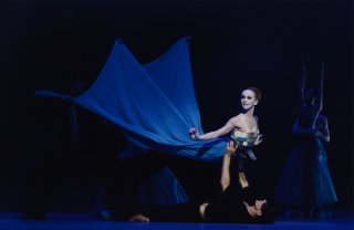 Hamburg Ballet_John John Neumeier's The Mermaid_Silvia Azzoni as The Little Mermaid_Photo by Holger Badekow (3)