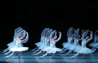 Mariinsky Ballet_La Bayadere Photo by Natasha Razina