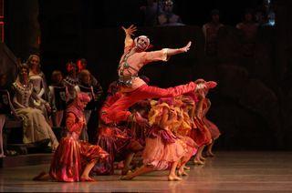 Yuri Smekalov as Adberakhman_Mariinsky Ballet_Raymonda photo Natasha Razina (14)
