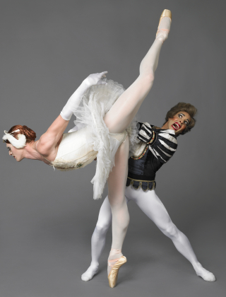 Les Ballets Trockadero de Monte Carlo_Swan Lake_Photo by Sascha_Vaughan