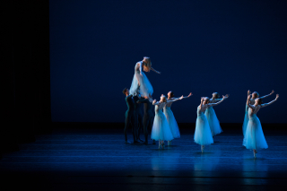 The Suzanne Farrell Ballet_Sernade  choreography by George Balanchine_Photo by Rosalie O'Connor