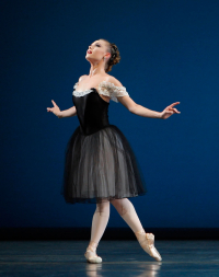 Mozartiana-by-George-Balanchine-3