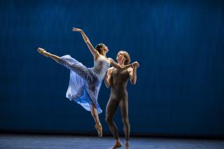 2. Valse TristeNatalia Osipova and David Hallberg_Valse Triste (2)
