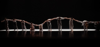 Carrying_a_dream_-_dansk_danseteater_-_foto_soeren_meisner_-2488