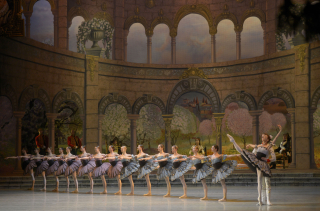 "Mariinsky Ballet_""Paquita""_Photo by Valentin Baranovsky © State Academic Mariinsky Theatre"