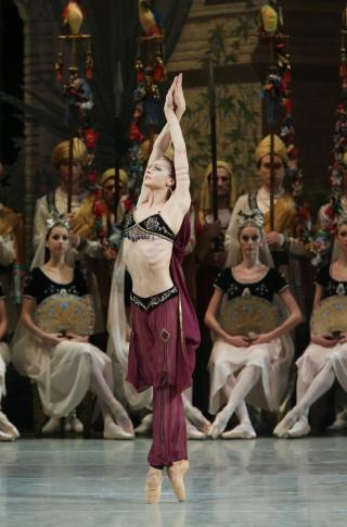 Cal-performances-mariinsky-ballet-la-bayadere-8-natasha-razina
