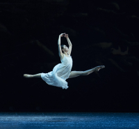 Atlanta Ballet_Airi Igarashi as Marie_in The Nutcracker_Photo by Gene Schiavone